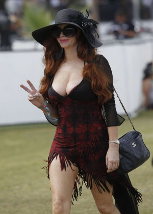 Phoebe Price at Coachella-05