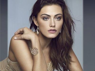 Phoebe Tonkin � Logan Jewellery 2013 Collection Photoshoot