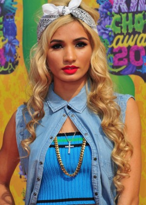 Pia Mia Perez: 2014 Kids Choice Awards -02