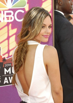 Pia Toscano: 2014 iHeartRadio Music Awards -09