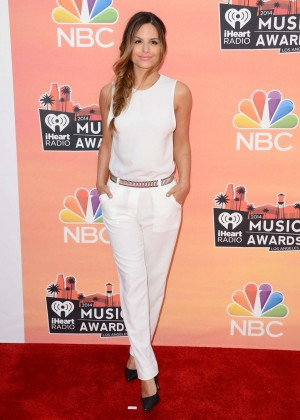 Pia Toscano: 2014 iHeartRadio Music Awards -11