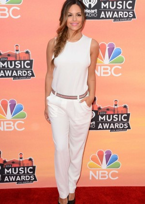 Pia Toscano: 2014 iHeartRadio Music Awards -15