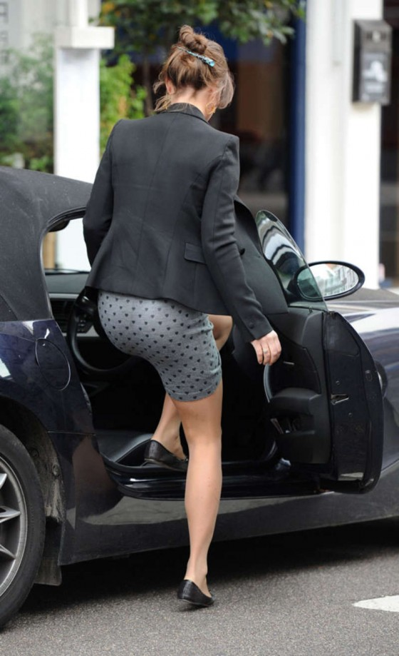 Pippa Middleton –  Candids in a Tight Dress in London