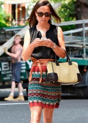 Pippa Middleton Leggy Arriving to Kiki boutique