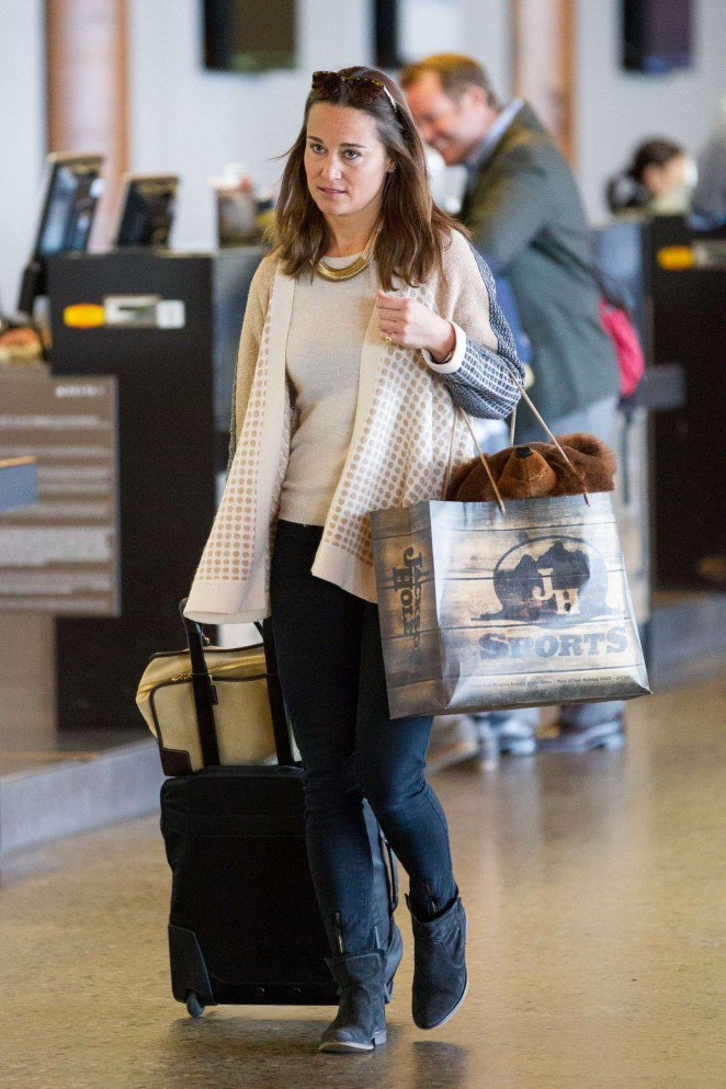 Pippa Middleton – Spotted at Jackson Hole Airport in Wyoming