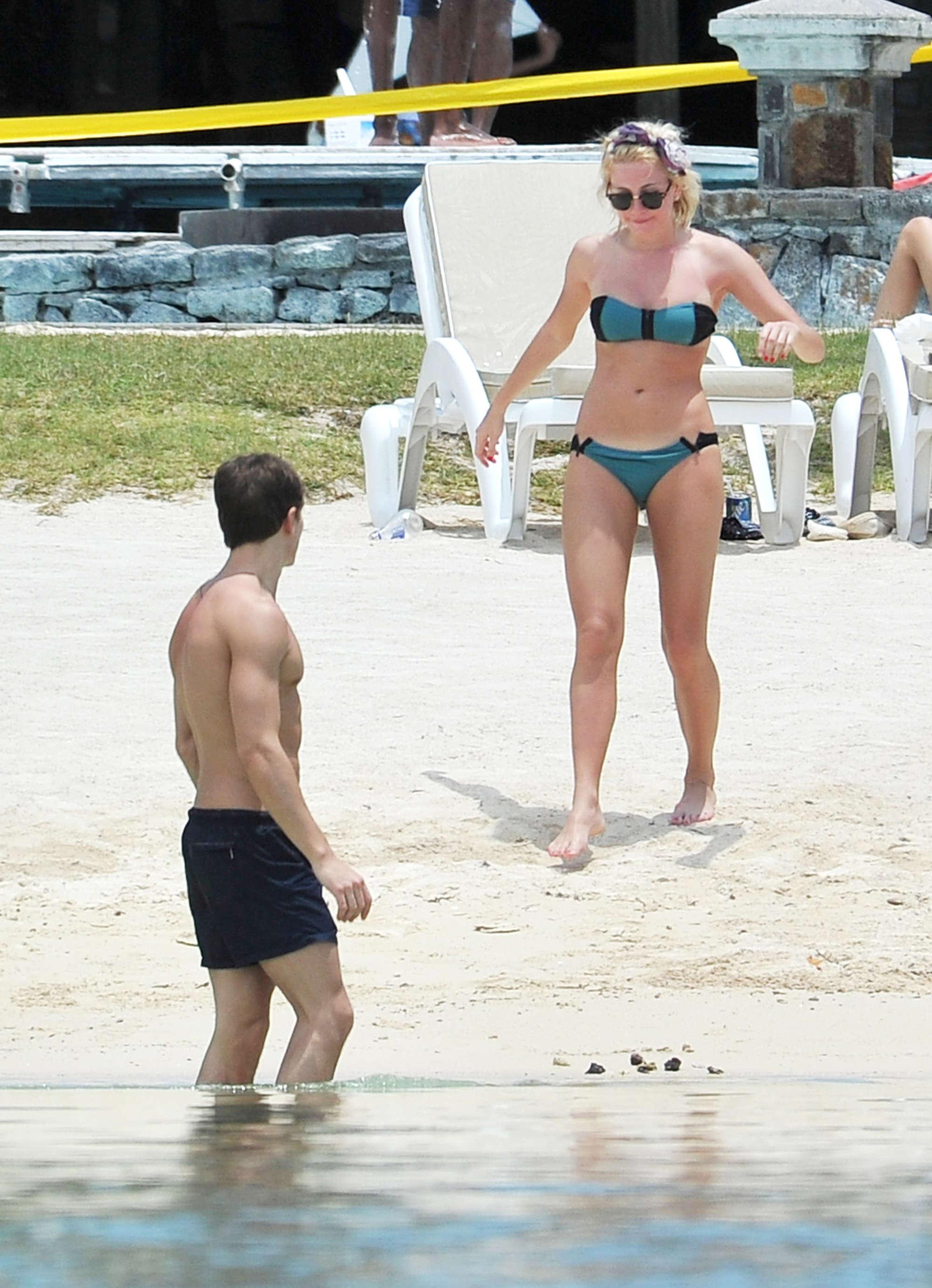 Pixie Lott bikini on the Beach in Mauritius-09 - GotCeleb Emma Watson Boyfriend