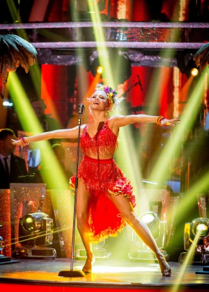 Pixie Lott - Dancing The Samba on Episode 10 of Strictly Come Dancing 2014