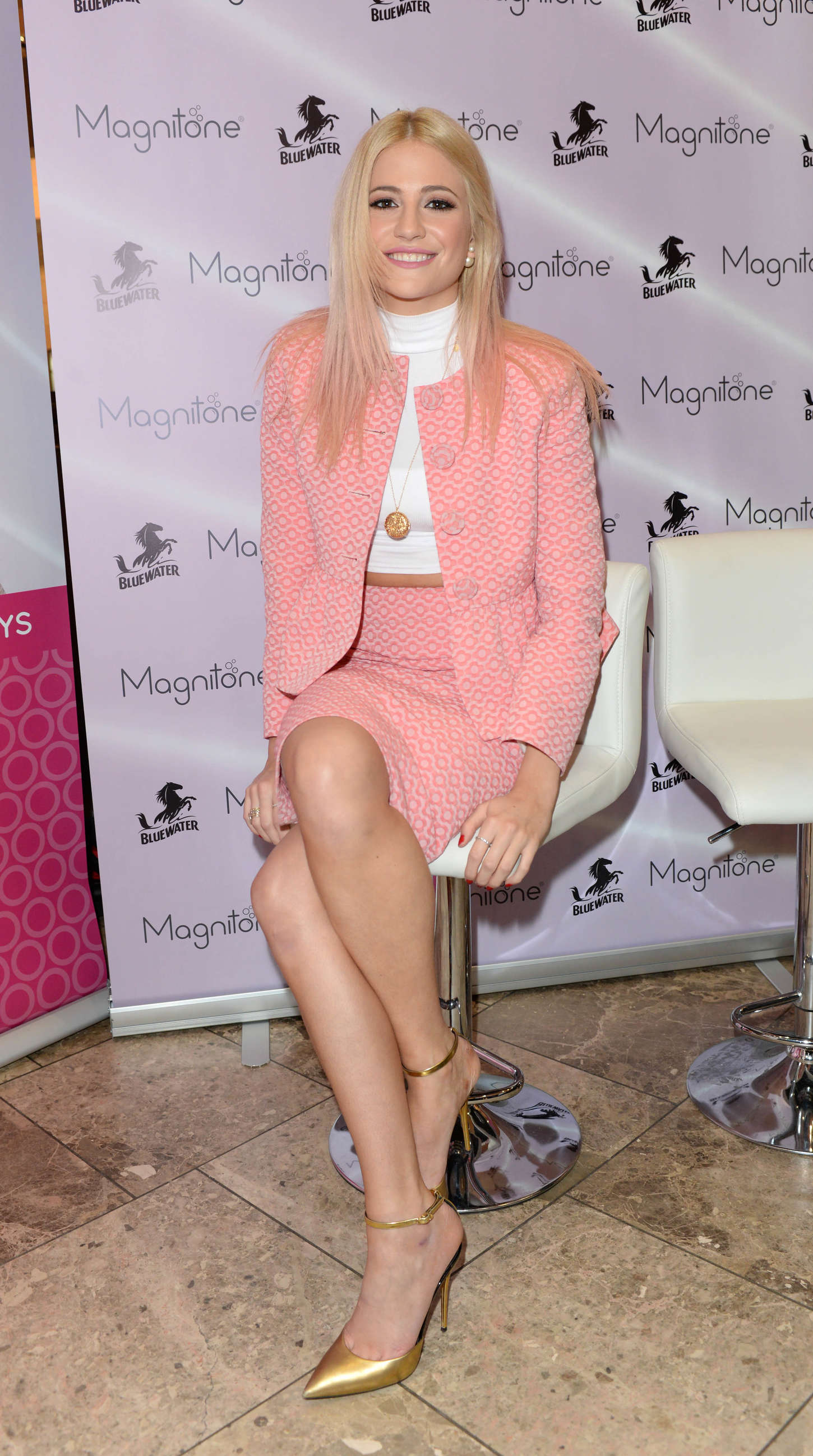 b6d81fc1a3271 Pixie Lott – Magnitone Lucid in Greenhithe. December 11