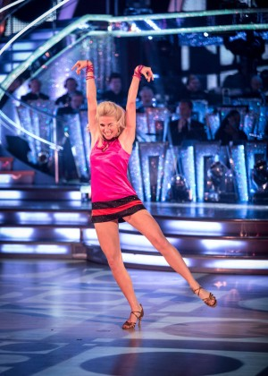 Pixie Lott - Performs at Strictly Come Dancing Episode 2 Stills