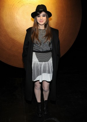 Hailee Steinfeld: 2014 Fashion Show in NYC - Prabal Gurung -02