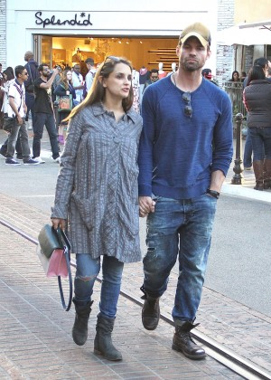 Rachael Leigh Cook and Daniel Gillies Out in Los Angeles