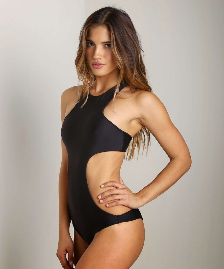 Rachel Barnes – Bikini Photoshoot