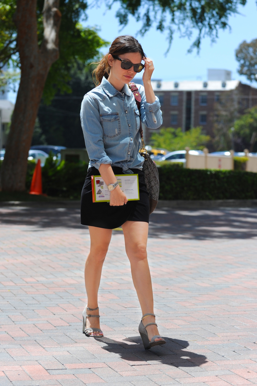 rachel-bilson-mini-skirt-candids-in-la-may-2010-04 - GotCeleb