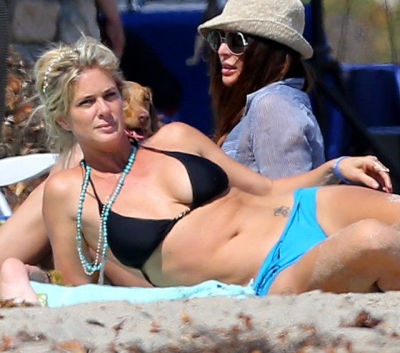 Rachel Hunter in Bikini in Malibu-24