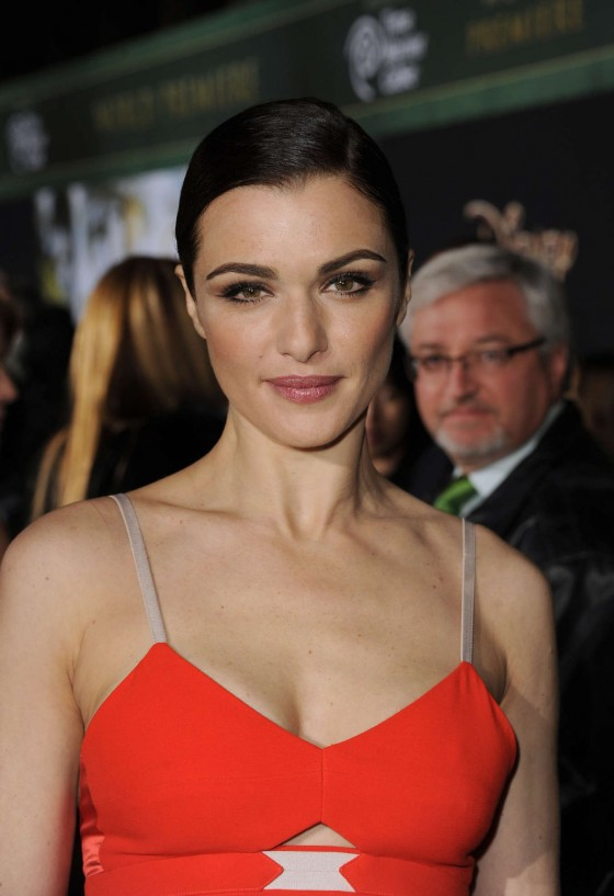 Rachel Weisz at Oz The Great And Powerful premiere-08