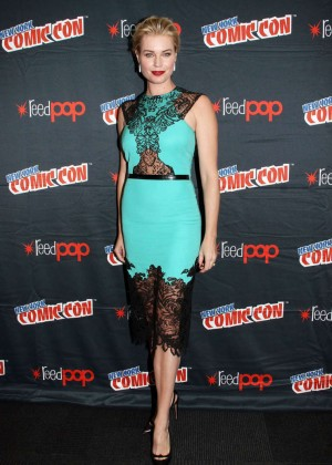 Rebecca Romijn - 2014 New York Comic-Con: Day 2