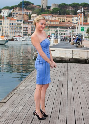 Rebecca Romijn - 'The Librarians' Photocall in Cannes, France