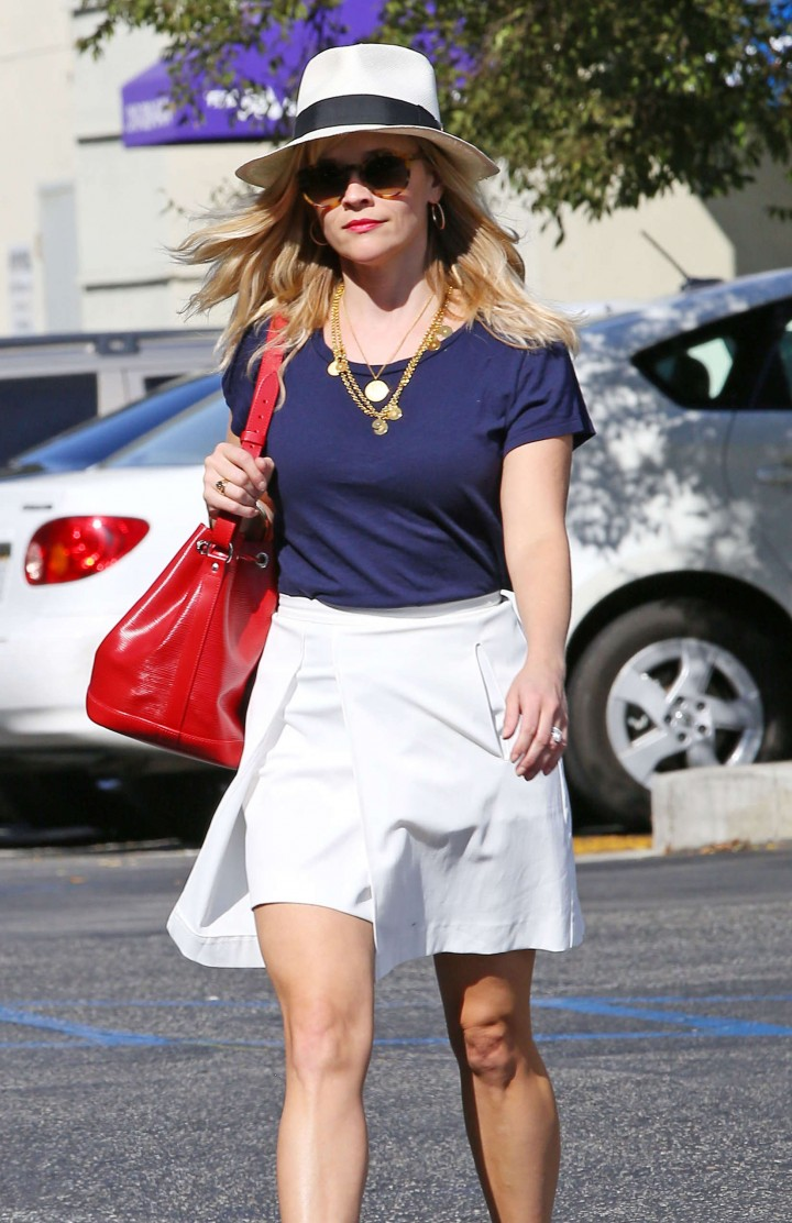 Reese Witherspoon – Heading to a Meeting in Santa Monica