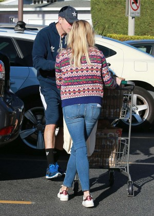 Reese Witherspoon Booty in Jeans -01