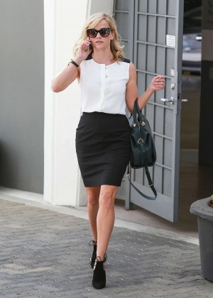 Reese Witherspoon in Tight Skirt Leaving Her Office in Beverly Hills
