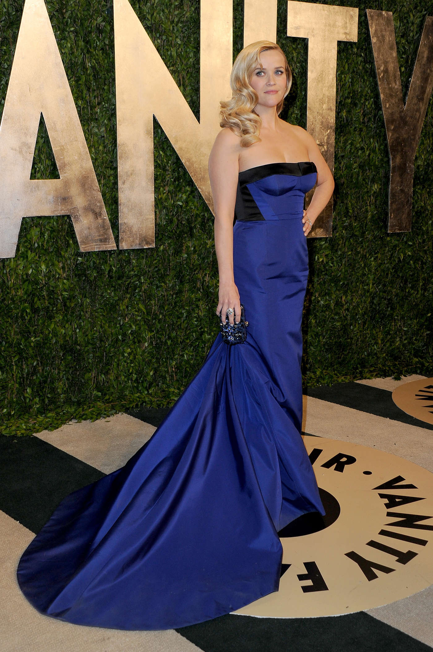Reese Witherspoon Oscar 2013 Vanity Fair Party 02