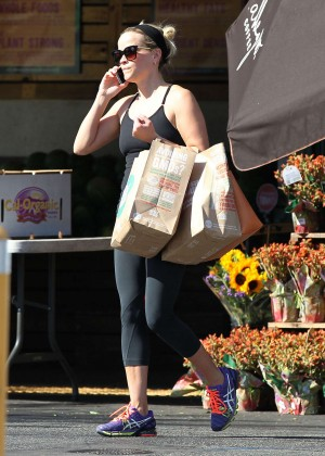 Reese Witherspoon in Tights Shopping at Whole Foods in Brentwood
