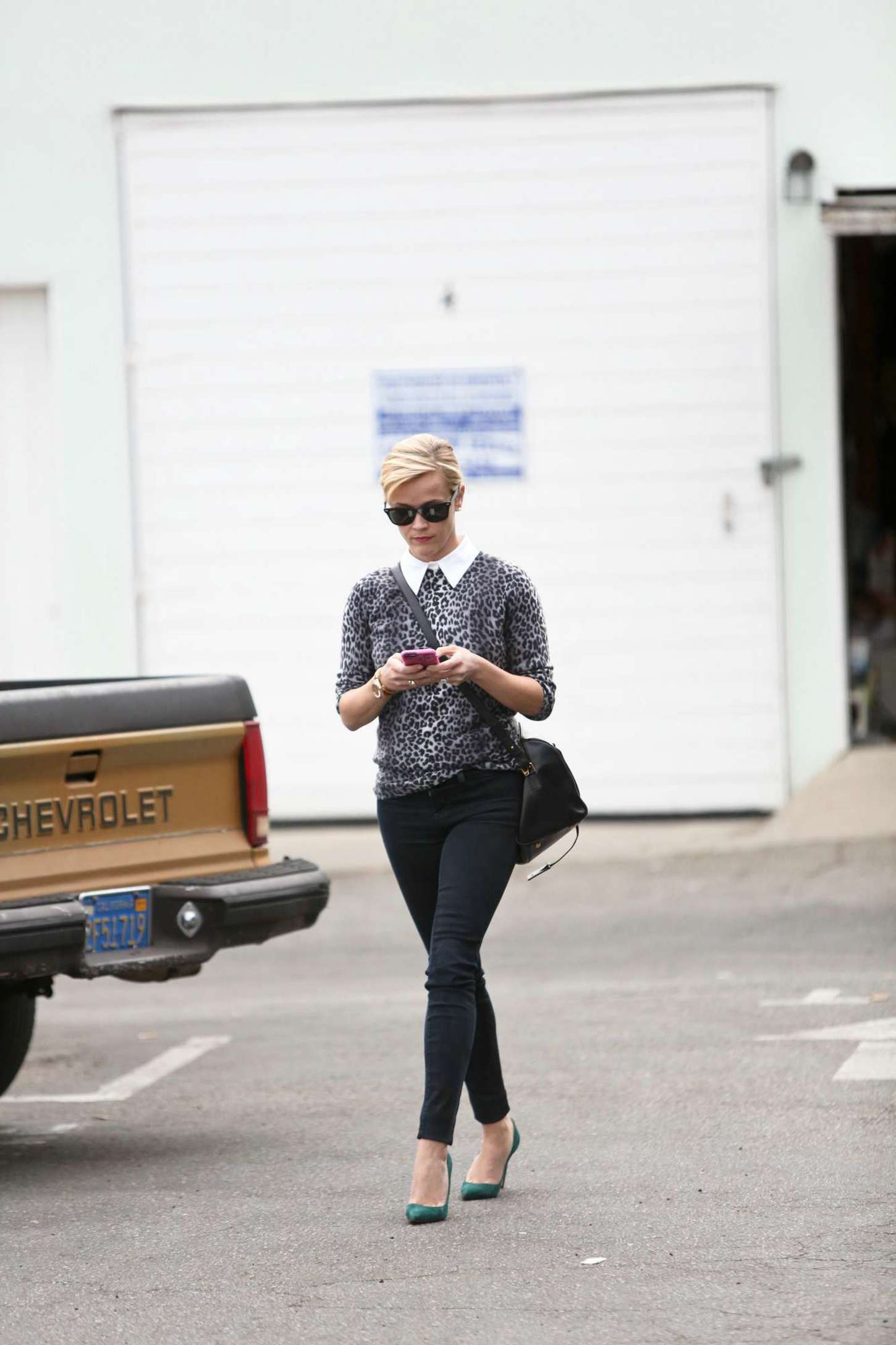 Reese Witherspoon 2014 : Reese Witherspoon in Tight Jeans -05