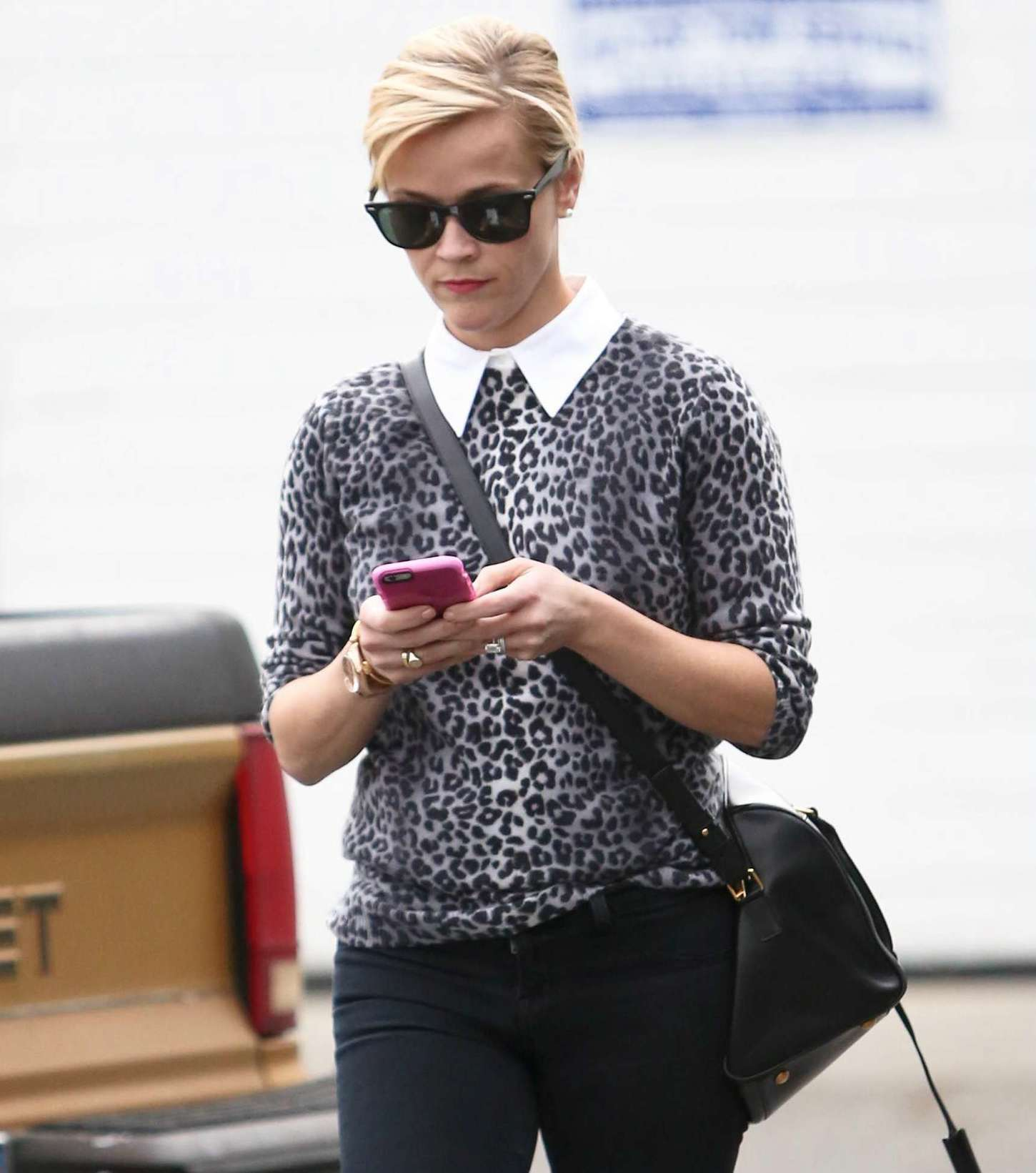 Reese Witherspoon 2014 : Reese Witherspoon in Tight Jeans -08