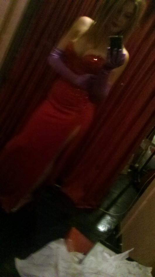 Renee Olstead as Jessica Rabbit for Halloween – Twitpic