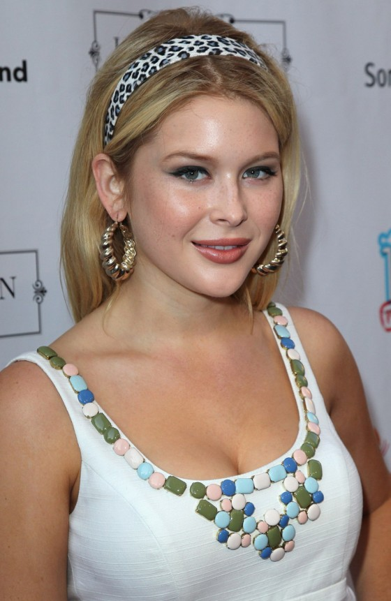 Renee Olstead - Friends to Mankind 18 For 18 - Hollywood