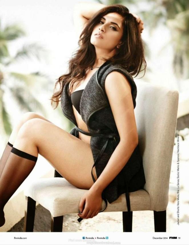 Richa Chadda - FHM India Magazine (December 2014)