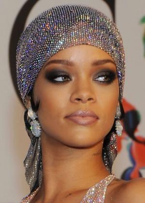 Rihanna Dress at 2014 CFDA Fashion Awards -01