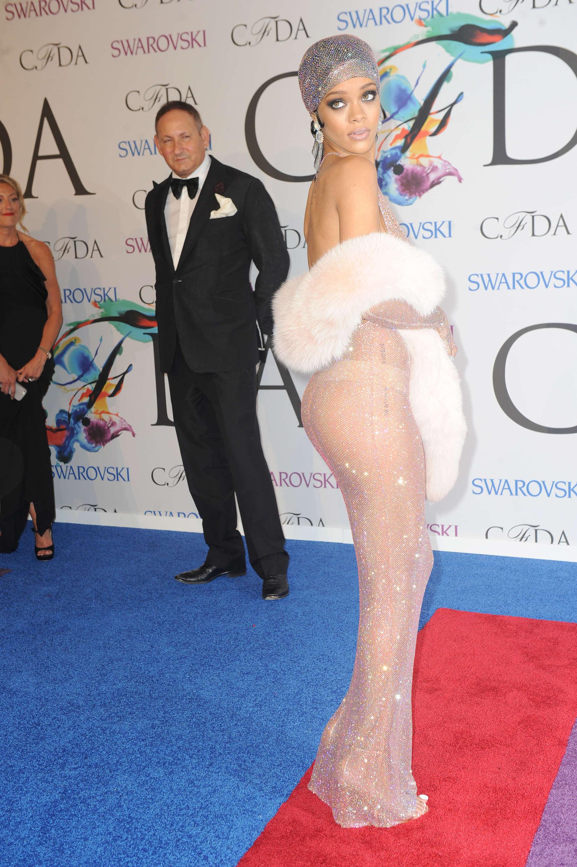 Rihanna Dress At 2014 Cfda Fashion Awards 05 Gotceleb