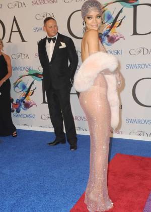 Rihanna Dress at 2014 CFDA Fashion Awards -07