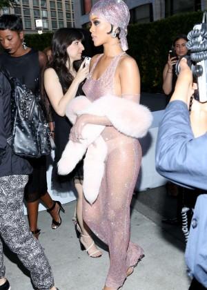 Rihanna Dress at 2014 CFDA Fashion Awards -09