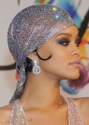 Rihanna Dress at 2014 CFDA Fashion Awards -15