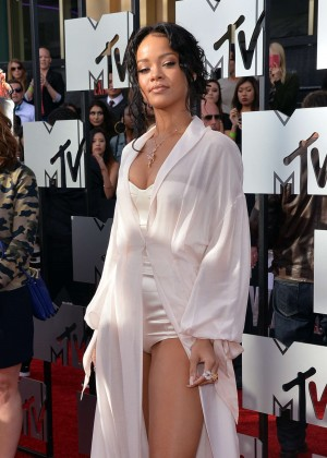 Rihanna: 2014 MTV Movie Awards -01