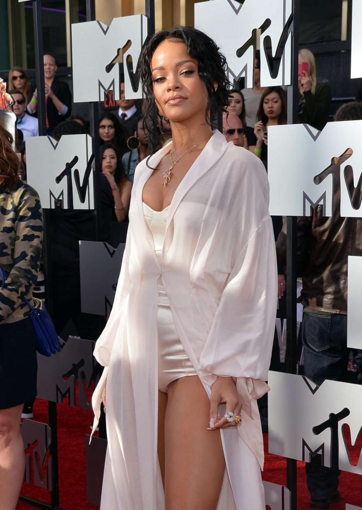 Rihanna:-2014-MTV-Movie-Awards--01-720x1