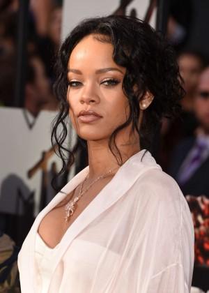 Rihanna: 2014 MTV Movie Awards -02