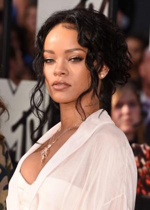 Rihanna: 2014 MTV Movie Awards -03