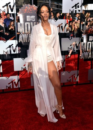Rihanna: 2014 MTV Movie Awards -04