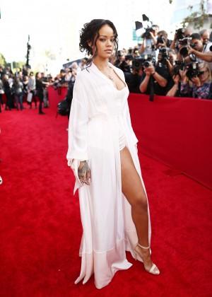 Rihanna: 2014 MTV Movie Awards -05
