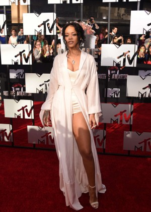 Rihanna: 2014 MTV Movie Awards -07