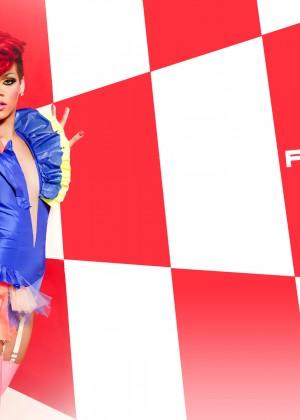 Rihanna 22 Hot Widescreen Wallpapers -14