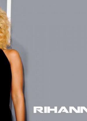 Rihanna 22 Hot Widescreen Wallpapers -15