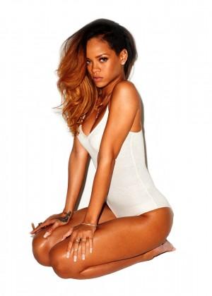 Rihanna 22 Hot Widescreen Wallpapers -16