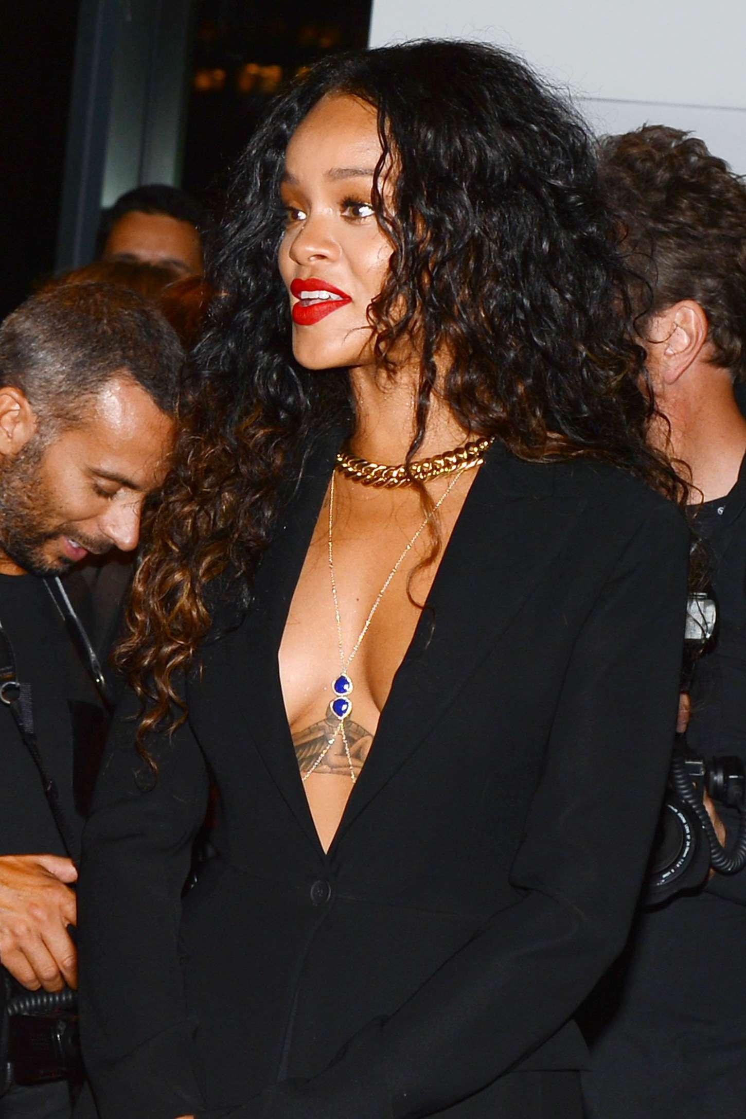 Rihanna 2014 : Rihanna: Altuzarra NY Fashion Show 2014 -01