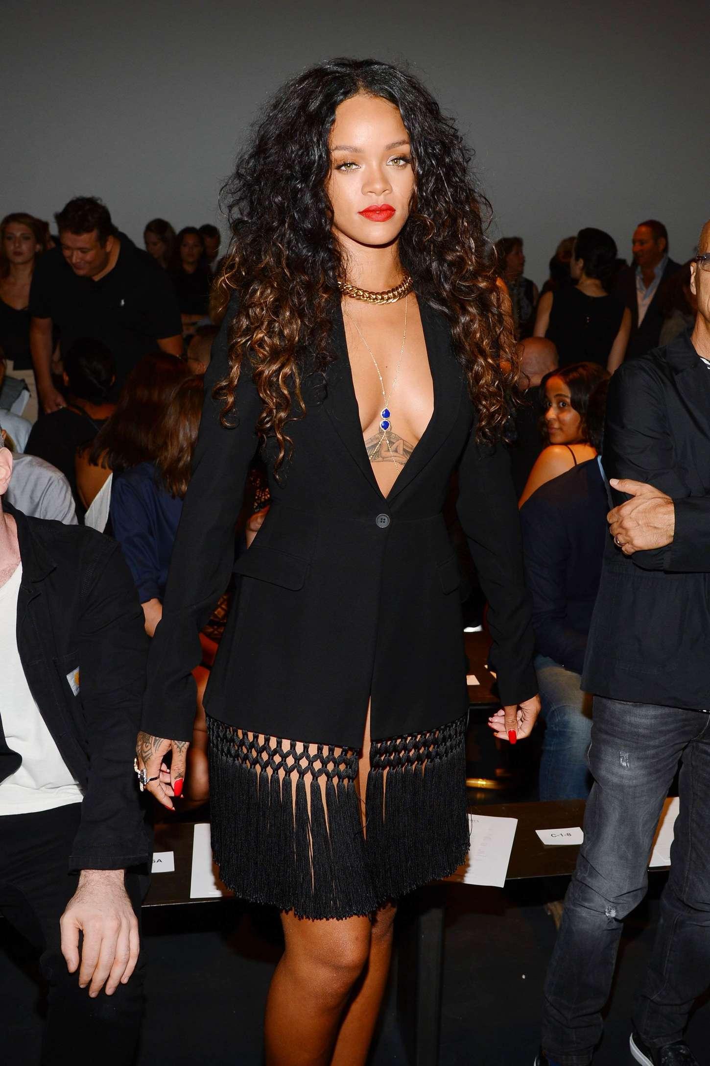 Rihanna 2014 : Rihanna: Altuzarra NY Fashion Show 2014 -05