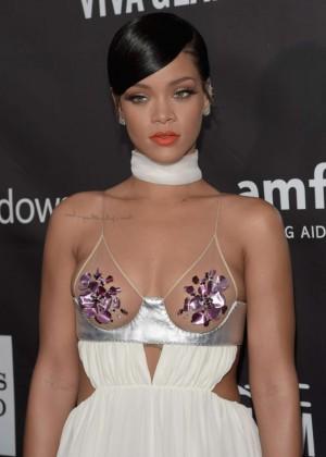 Rihanna: 2014 amfAR LA Inspiration Gala -04