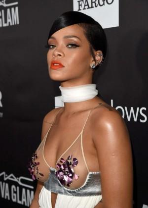 Rihanna: 2014 amfAR LA Inspiration Gala -08
